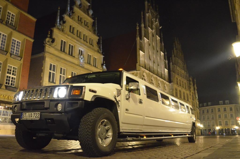 hummer h2 limousine mieten ril limoservice. Black Bedroom Furniture Sets. Home Design Ideas