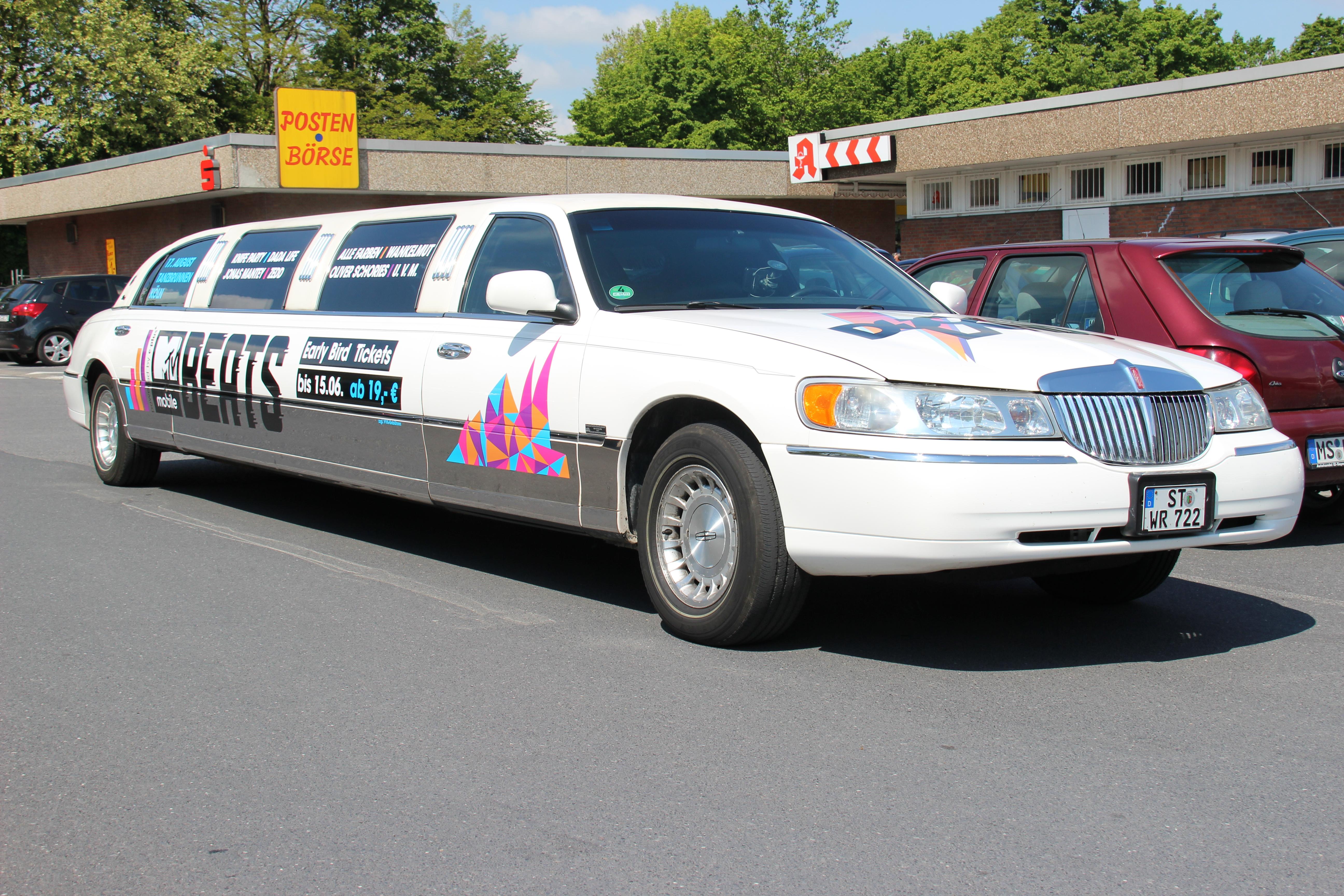 lincoln limousine mieten in nordhorn ril limoservice. Black Bedroom Furniture Sets. Home Design Ideas