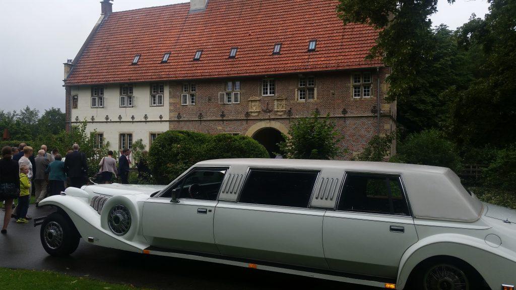 limousine mieten in melle ril limoservice. Black Bedroom Furniture Sets. Home Design Ideas