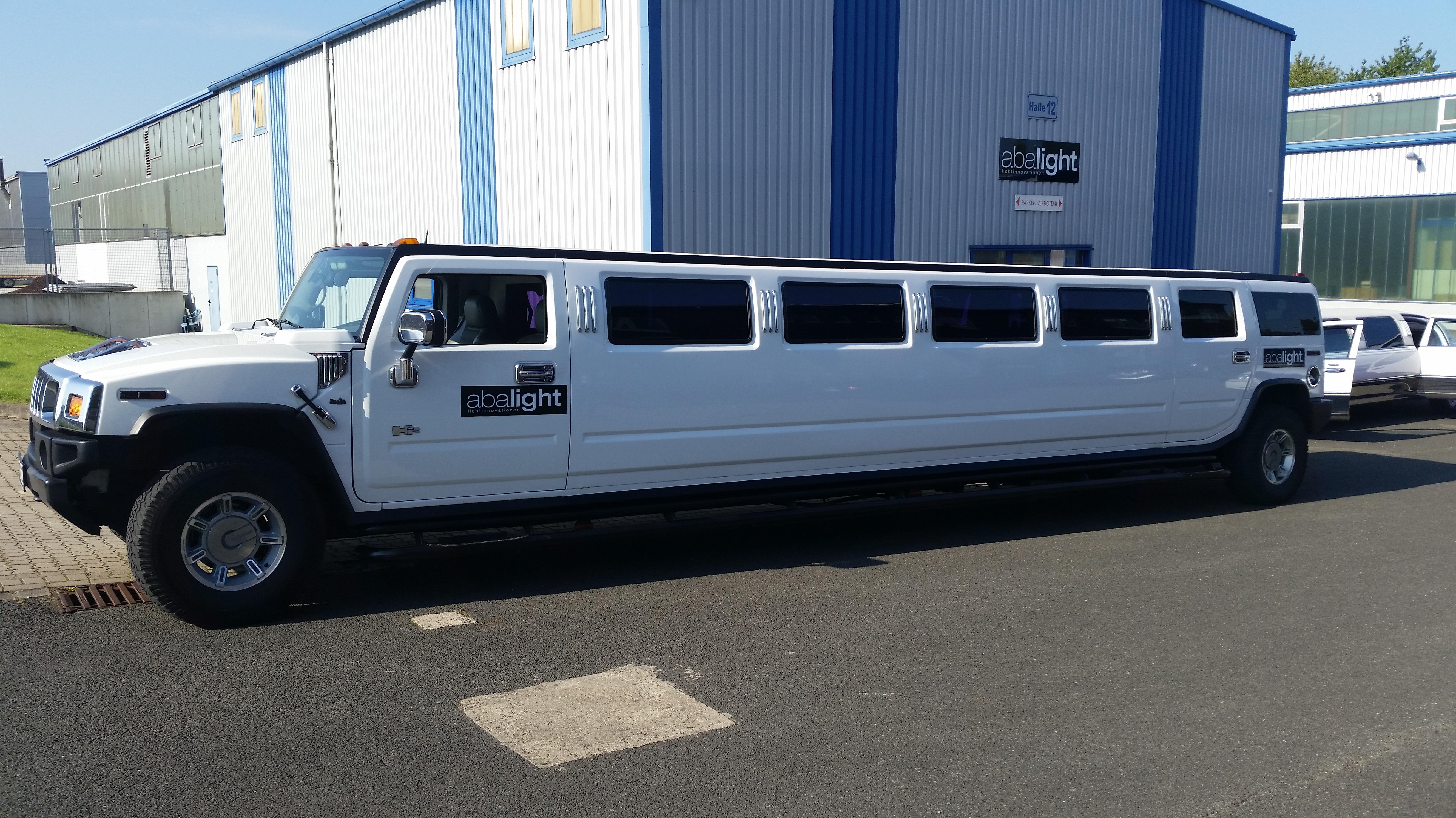 Mieten Sie bei uns Hummer H13 als Stretchlimousine | hummer bus